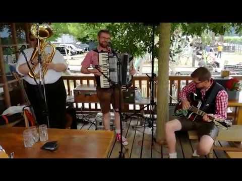 Trio MSC - Rote Schirme [Joze Burnik]