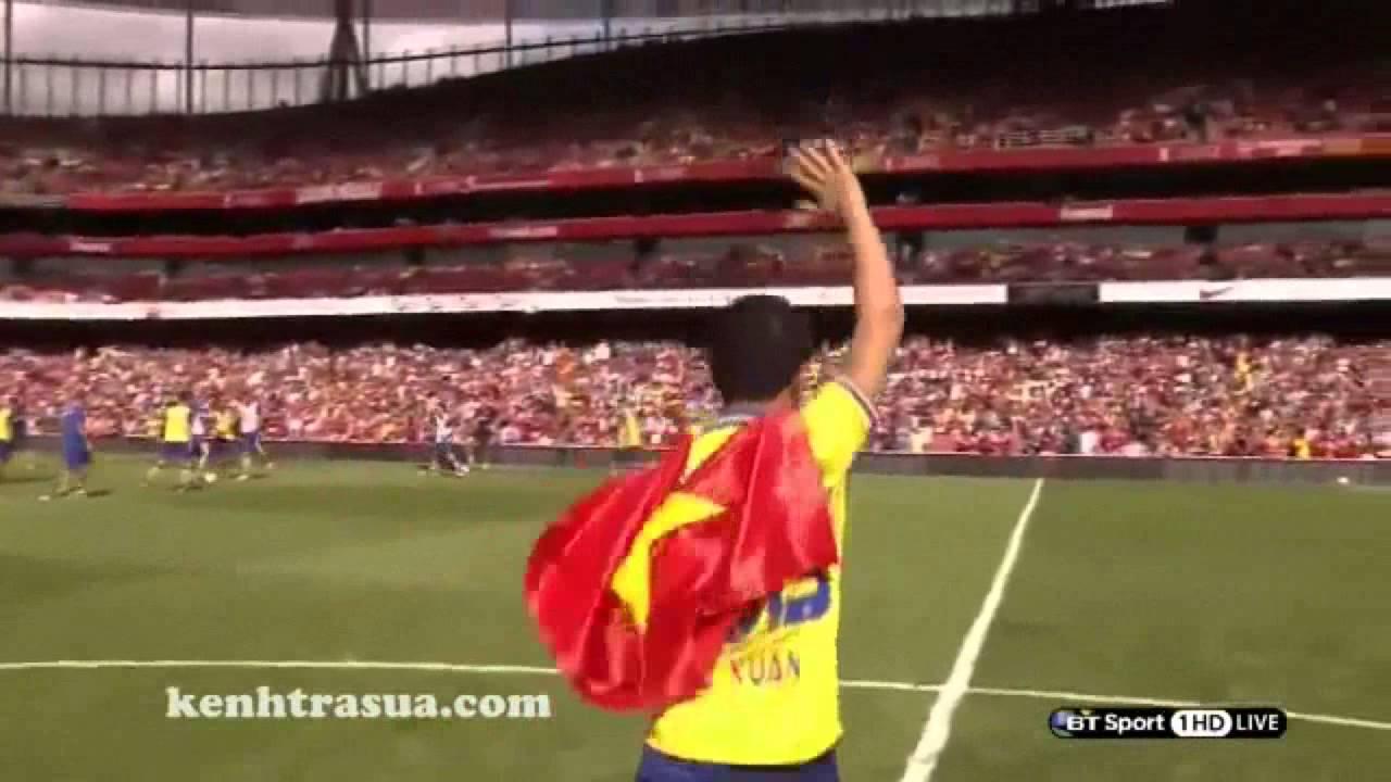 Là cờ Việt Nam tung bay cùng Running Man trên SVĐ Emirates của Arsenal