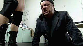 Paul Heyman does push-ups before defending Brock Lesnar