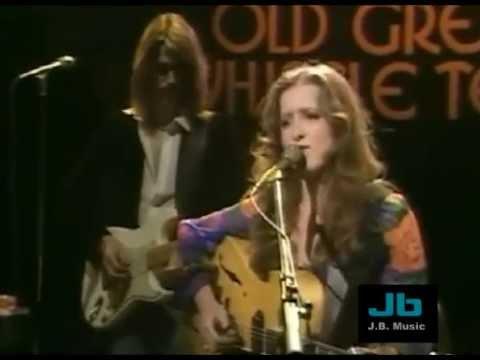 Bonnie Raitt - Angel From Montgomery (The Old Grey Whistle Test Show- 1976)
