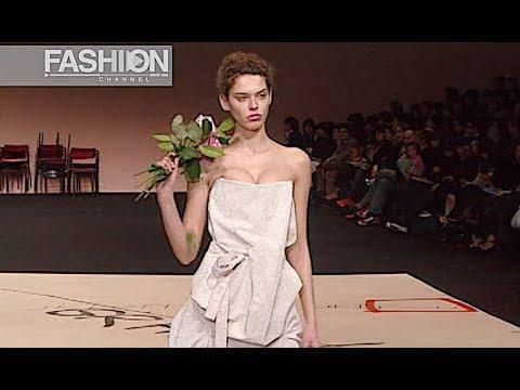 VIVIENNE WESTWOOD Fall 2003 2004 Paris - Fashion Channel