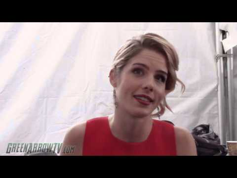 Arrow Interview: Emily Bett Rickards On Set - Arrow Season 4