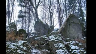 Wandern Franken: bei Obertrubach mit wenig Schnee
