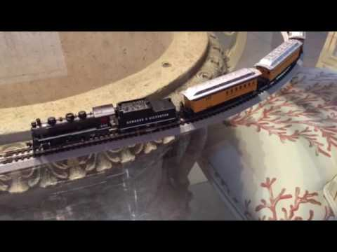 Review: Bachmann N scale Durango and Silverton Railway train set