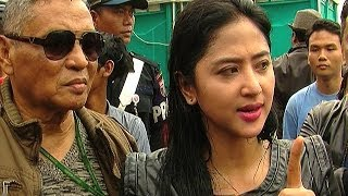 Dewi Perssik Ditemani Keluarga Pasca Vonis Penjara - Was Was 11 Februari 2014