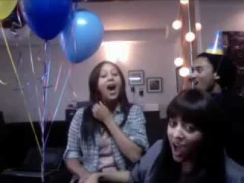 Tia & Tamera Mowry Sing Happy Birthday to Tahj Mowry