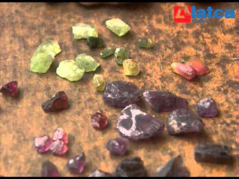 Chợ đá quý Lục Yên