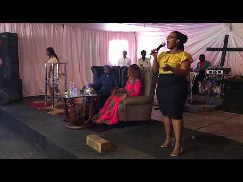 Joyous Celebration 21-  Mayenzeke (Live Performance) | Sinegugu Hlengane | South African YouTuber