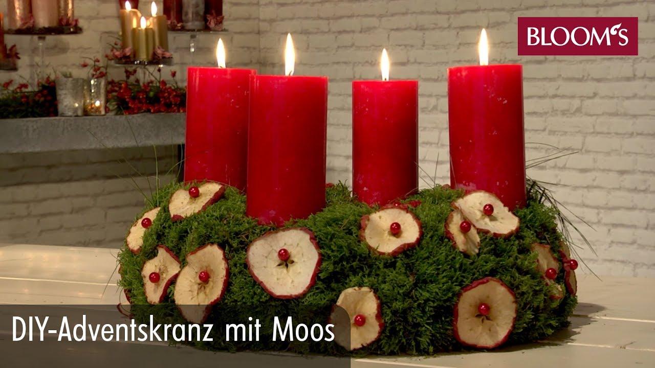 adventskranz binden mit moos weihnachten in europa. Black Bedroom Furniture Sets. Home Design Ideas