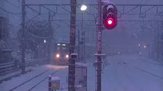 西武鉄道6102F 小平折り返し 各停拝島行 雪の小平到着