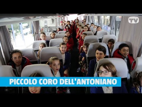 Il Piccolo Coro dell'Antoniano canta Sorrisi Is Magic