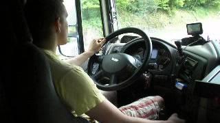 Młody kierowca zawodowy