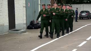 Солдатам и сержантам-контрактникам российской армии в полтора раза повысят зарплату