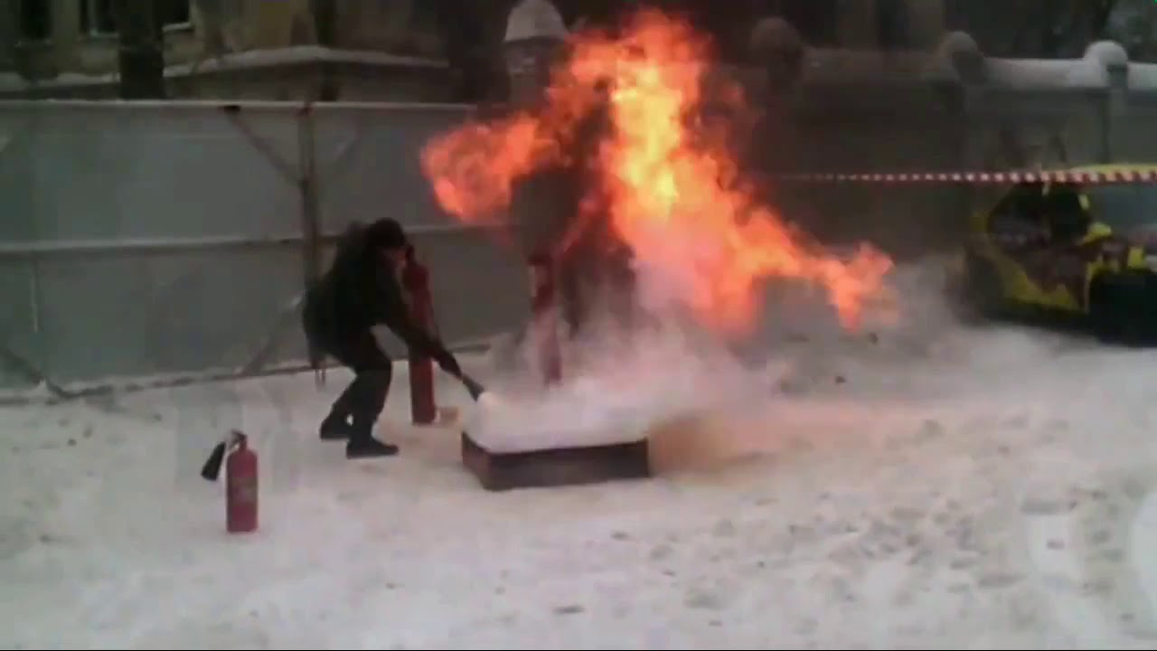 Тренировка тушения огня охранниками Барс