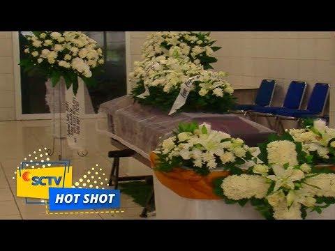 Tangis Duka dan Penantian Keluarga Korban Lion Air JT-610 - Hot Shot