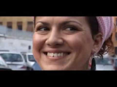 Agli antipodi del Burqa // Il volto (2 di 3)