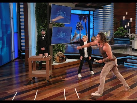 Raphael - [VIDEO] Jason Momoa Flexes His Ax-Throwing Muscles For Charity on Ellen!