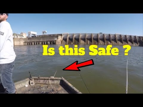 Is It Safe To Anchor Below Dams - Striper & Catfish On Light Tackle