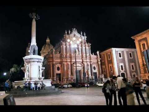 Catania di notte.wmv - YouTube