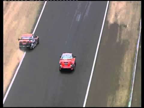 2007 Bathurst 1000 Rick Kelly Nearly Takes out Craig Lowndes