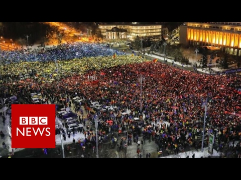 Romania's protestsers call for government to resign - BBC News