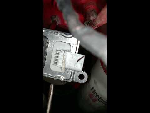 6 7 Cummins nox sensor #1 and #2 by Mad Motor Repair