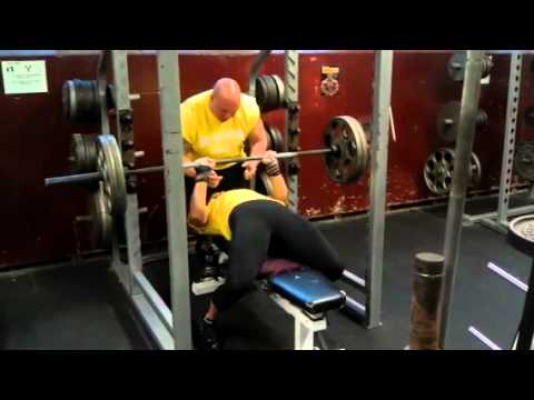 Jessica Scofield 225lbs raw close grip bench