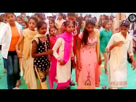उभी रे वो मेसे उभी रे //Ubhi Re Payari Rangali // School Girls Dance //Best Adiwasi Dance Video Song