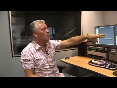 Ghost hunting legend Derek Acorah examines ghostly virals