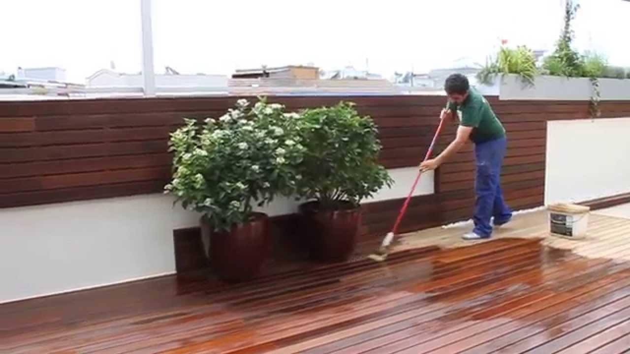 C mo mantener una tarima de madera exterior youtube for Tarima de madera exterior