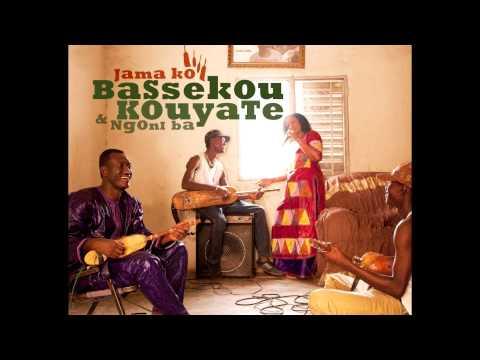 Bassekou Kouyate and Ngoni ba - Musow Fanga