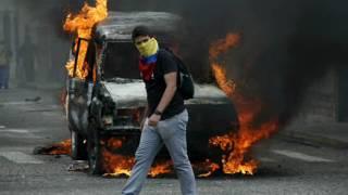 Presidente Maduro entrega vehículo a conductor secuestrado por grupos vandálicos