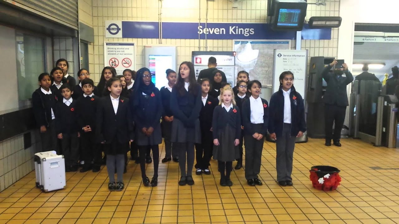South Park Primary School Sings At Seven Kings Station For Remembrance Youtube