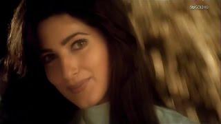 Mera Chand Mujhe Aaya Hai Nazar -Twinkle Khanna (1080p)