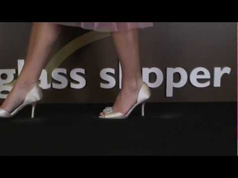 Wedding Shoe Review for Lacie by Badgley Mischka