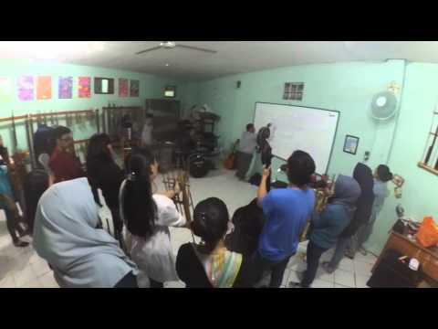 Latihan alumni angklung SMPN 44 Bandung PART2