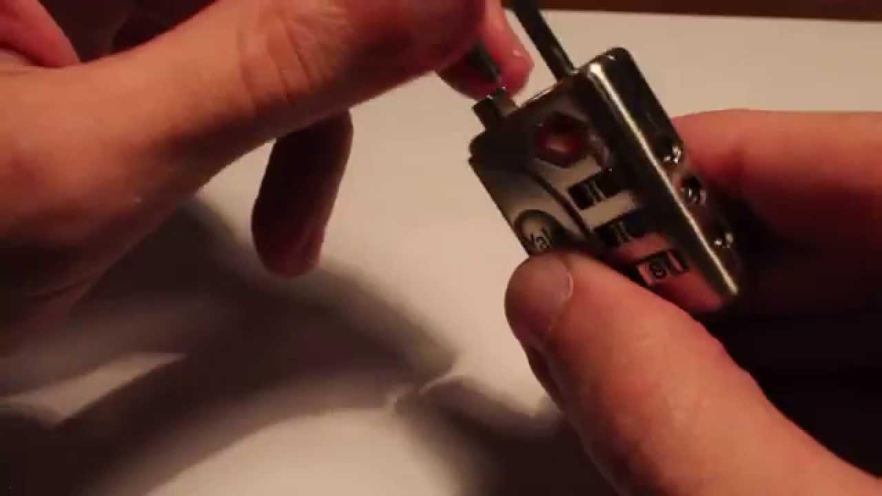 67db865c3c Come cambiare combinazione lucchetto TSA - YouTube