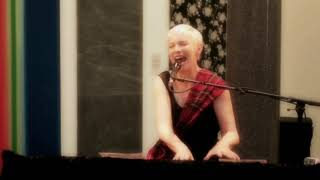 Annie Lennox - Sweet Dreams (Are Made Of This) [Live in Aberdeen 2012]