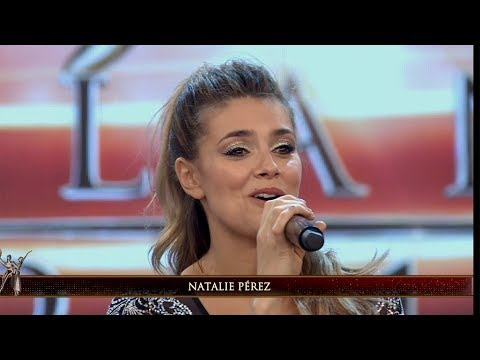 Natalie Pérez lució su voz y cantó a capella