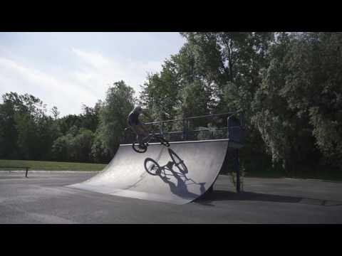 HOW TO AIR A QUARTER PIPE IN 3 EASY STEPS BMX
