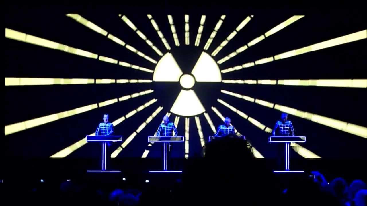 Kraftwerk 3D @ Sonar São Paulo 2012 - YouTubeKraftwerk 3d