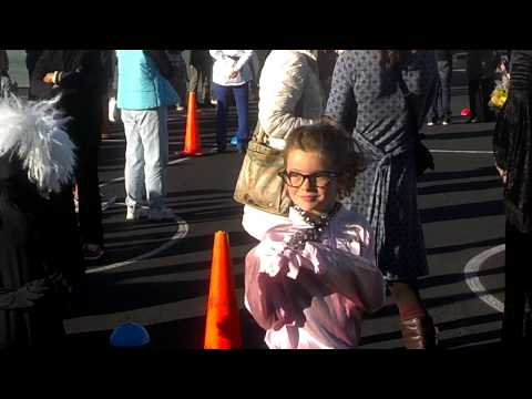Del Mar Heights Halloween Parade (2)
