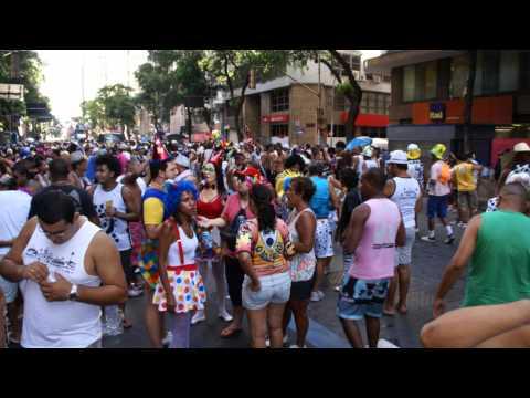 CARNAVAL 2012 CORDÃO DO BOLA PRETA AV.RIO BRANCO RIO DE JANEIRO.wmv
