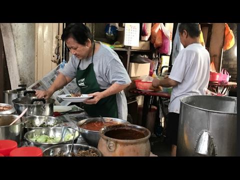 Decades Old Hakka Nasi Lemak At KL's Chow Kit!