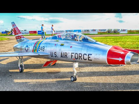 SUPER SABRE F-100 NORTH AMERICAN RC TURBINE JET FLIGHT DEMONSTRATION