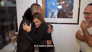 Lone French soldiers surprise their parents in France