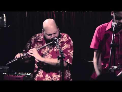 Show Emicida, Rodrigo Campos + Thiago França - Manos E Minas