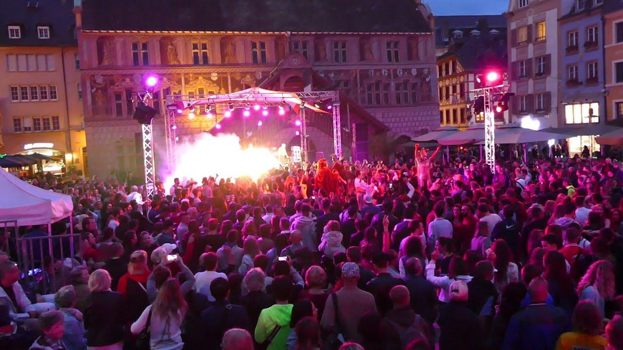 Soirée disco place de la réunion Mulhouse