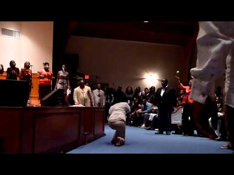 LeAndria Johnson - Endow Me (Mic Toss In the end)