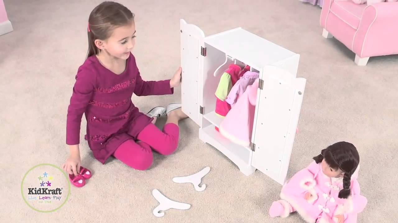 armoire v tements pour poup e kidkraft youtube. Black Bedroom Furniture Sets. Home Design Ideas